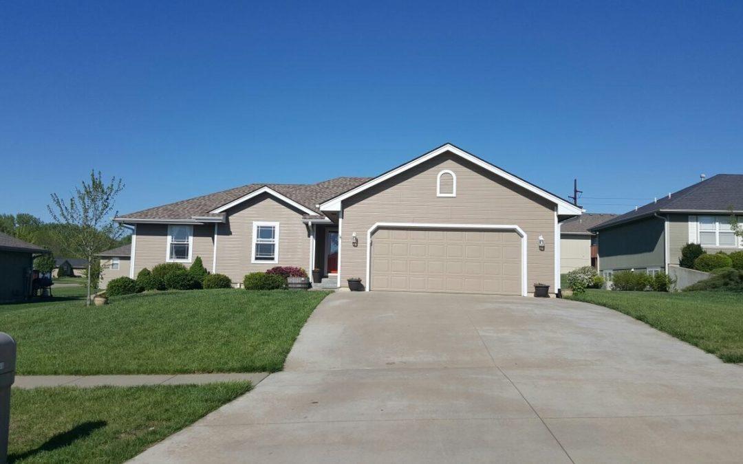 2251 SE Piedmont Ct, Tecumseh, Kansas